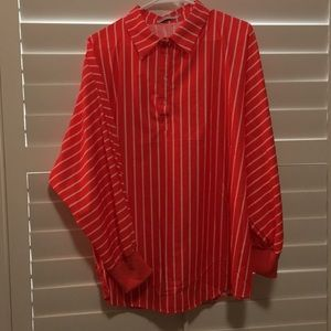 🌸Vertical striped blouse.